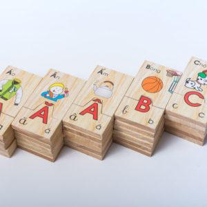 đồ chơi gỗ bảng chữ cái tiếng việt tìm hình