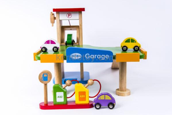 đồ chơi cho bé trai gara xe hơi