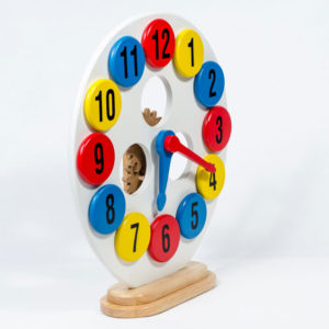 đồ chơi gỗ đồng hồ học số