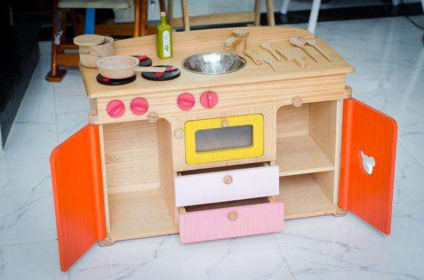 bếp đồ chơi nấu ăn cho bé