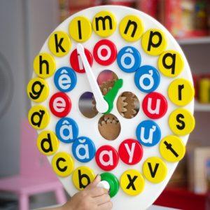 đồ chơi gỗ đồng hồ học chữ