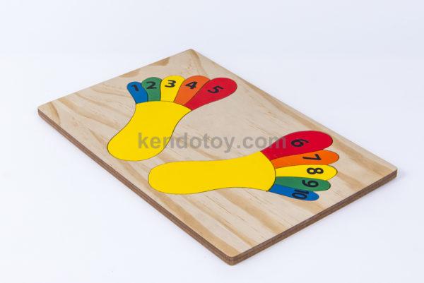 đồ chơi gỗ tranh ghép bàn chân học đếm