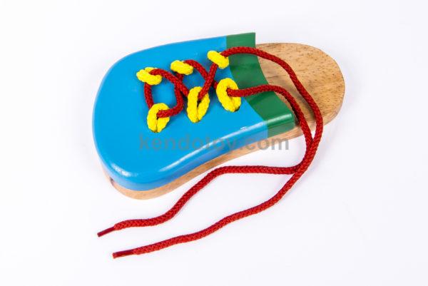 đồ chơi cho bé giầy xỏ dây