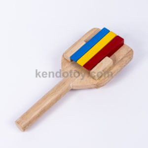 đồ chơi cho trẻ sơ sinh lắc 3 màu cầm tay
