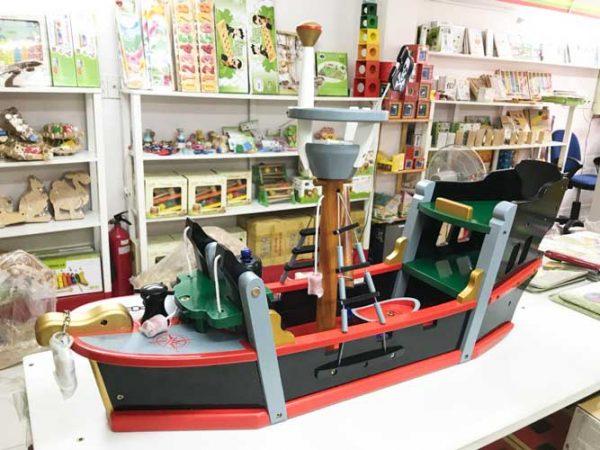Mô hình thuyền hải tặc gỗ