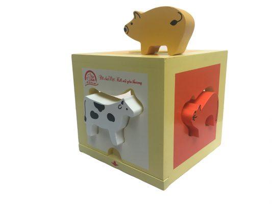 đồ chơi bằng gỗ hộp thả hình thú