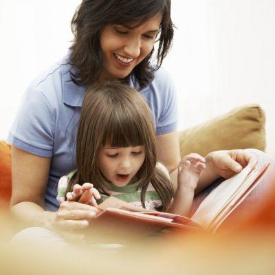 dạy trẻ học đọc sớm để phát triển kỹ năng