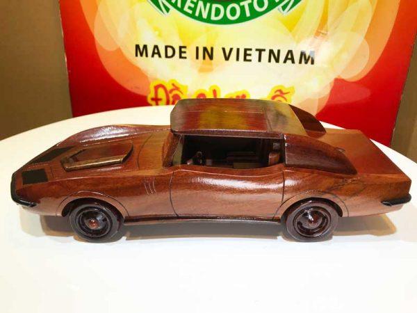 Xe hơi cổ gỗ mỹ nghệ