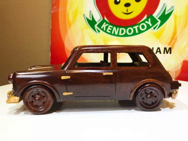Xe hơi bằng gỗ mỹ nghệ