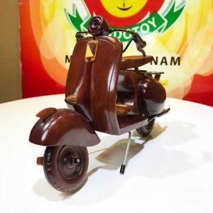 Xe vespa bằng gỗ